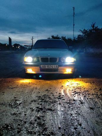 BMW E34 5 series 520i