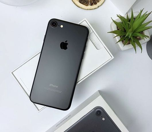 Продам iPhone 7/32gb