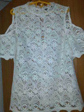 Biała Koronkowa bluzka firmy LIPSY London rozm.S