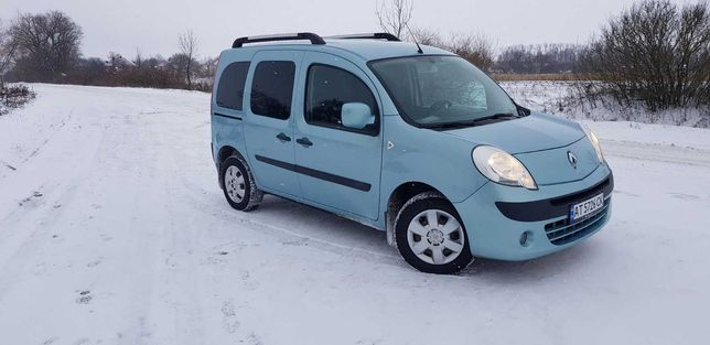 Продам автомобіль Renault Kangoo