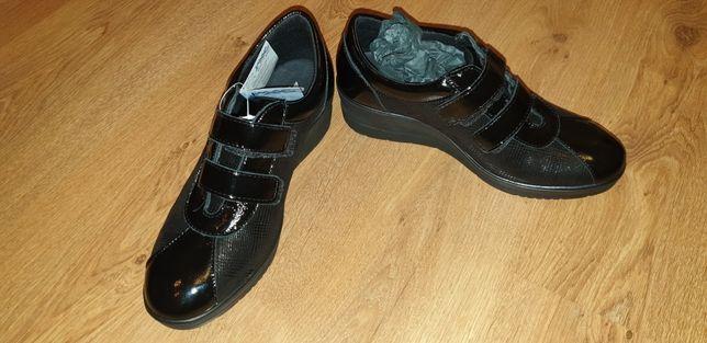 Туфли кросовки натуральные лаковые