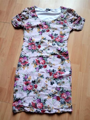 Sukienka MINI w kwiatki  XS/S zamienię