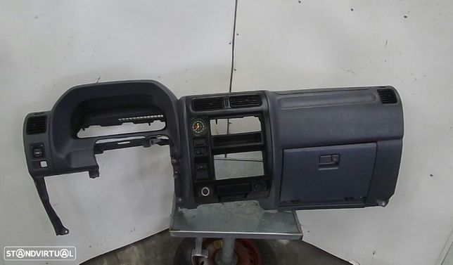 Tablier Toyota Land Cruiser 90 (_J9_)