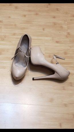 Туфлі, босоніжки, черевички, чобітки зимові
