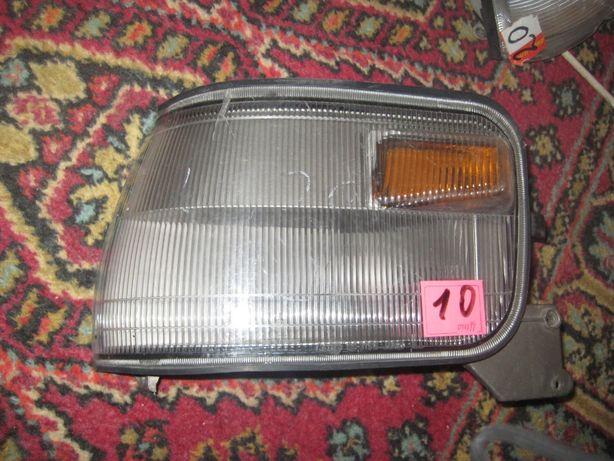 Повортник Mitsubishi Delica L300 лівий
