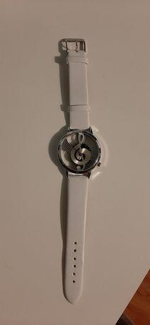 Zegarek Biały Klucz wiolinowy