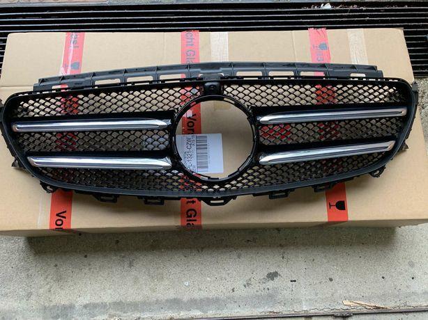 Mercedes E klasa w213 grill atrapa z kamera