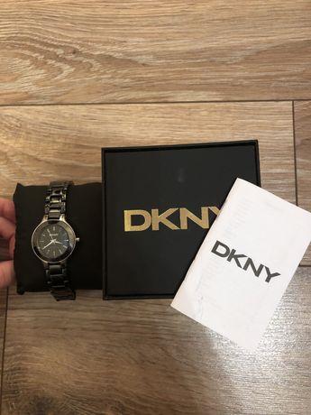 Женские керамические часы DNKY