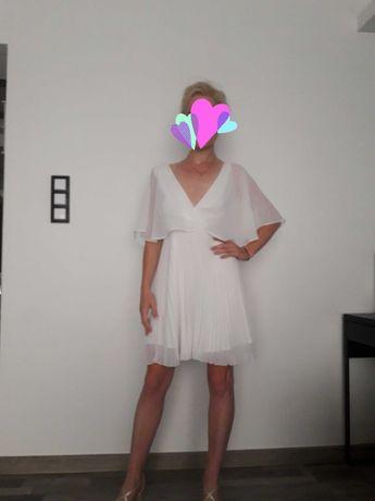 Sukienka biała plisowana