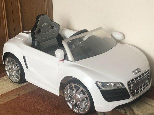 Ауді  Audi r8 Spyder