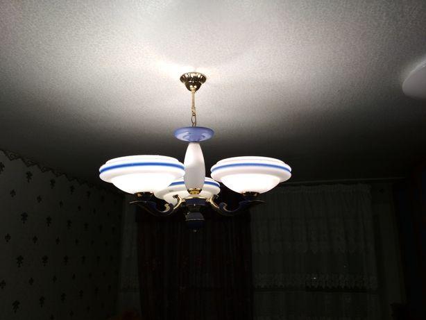 Стильная люстра на 3 лампы