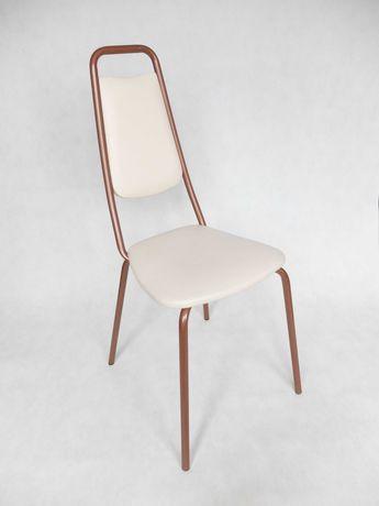 Krzesło o metalowej konstrukcji