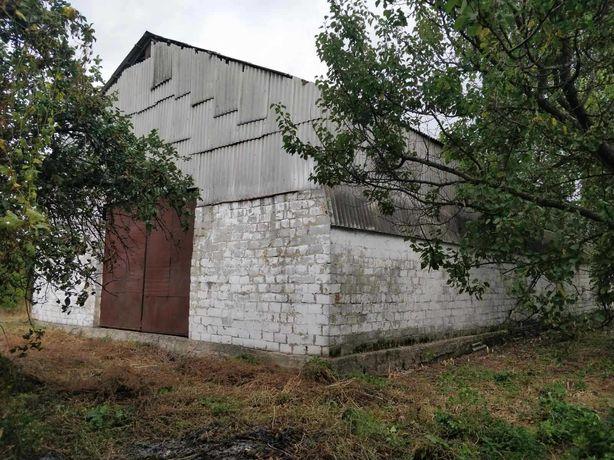 Продам зерновий склад в робочому стані, зручне розташування.