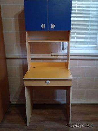 Шкаф парта стол.