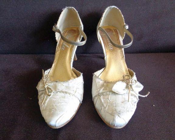 Buty ślubne satynowe 38 stan idealny