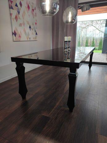 Stół do salonu czarny lakierowany