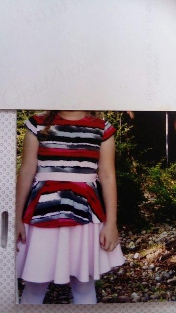 Piękna sukienka dla dziewczynki w rozmiarze 134
