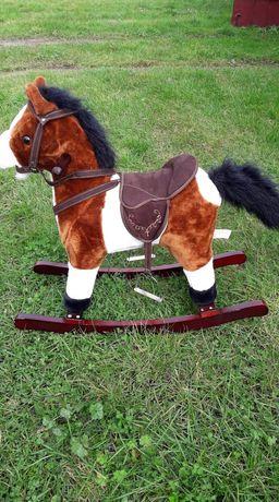 Koń na biegunach nowy