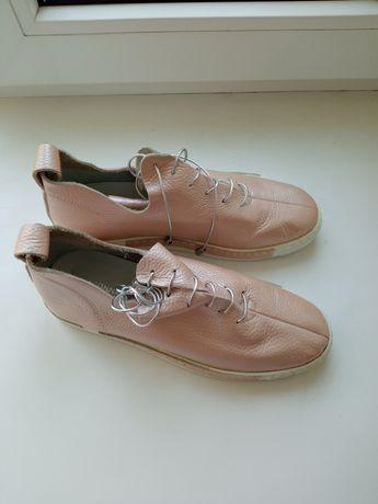 Ботиночки . 36 размера. Кожа. Новые