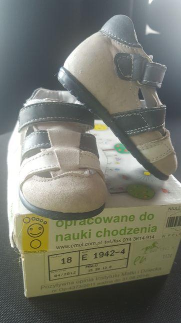 Sandałki emel
