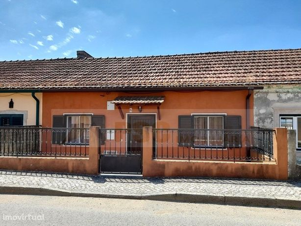 Moradia T2 com Logradouro, Garagem e Churrasqueira