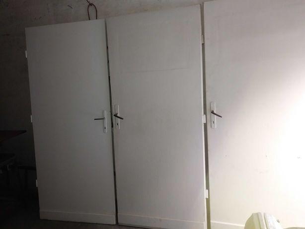 Sprzedam 5 drzwi bez futryn całość 150 zł