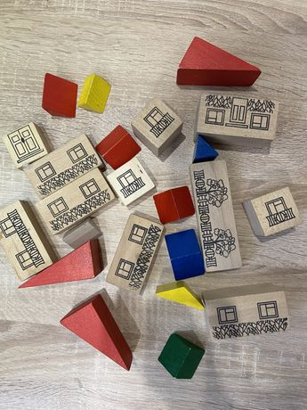 Деревянные кубики, деревянные домики
