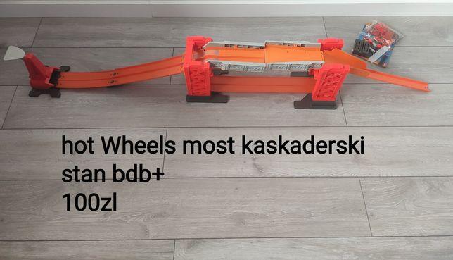 Hot Wheels most kaskaderski