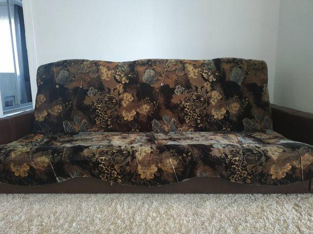 Продам диван і два пуфи