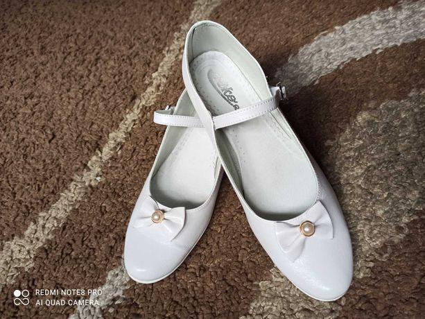 Buty komunijne dla dziewczynki r. 38