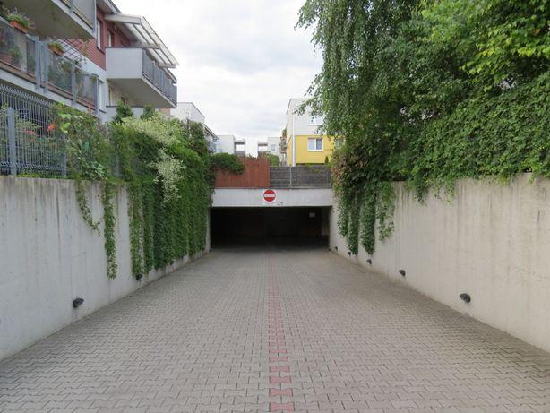 Do wynajęcia: miejsce postojowe w garażu podziemnym ul. Norymberska