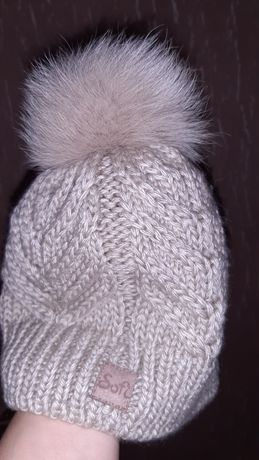 Продам шапку новую Sofi