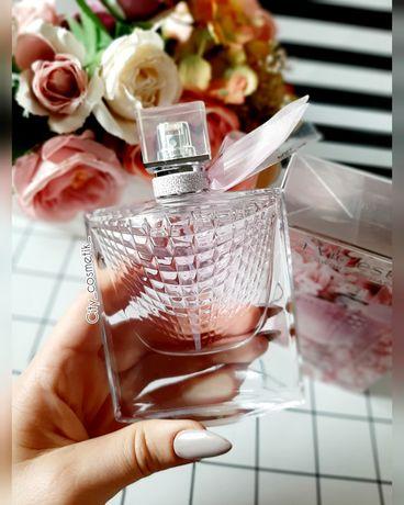 Женская парфюмированная вода Lancome La Vie Est Belle Flowers(Ланком)