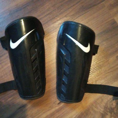 Ochraniacze Nike róż. L