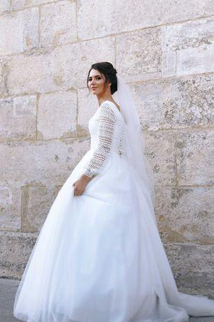 Продам весільну сукню в ідеальному стані