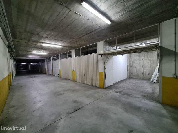 Garagem  Venda em Costa,Guimarães