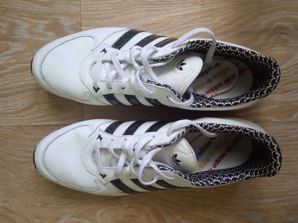 Кожаные кроссовки Adidas. Фирменные. Практически новые, очень лёгкие.
