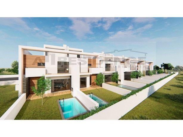 Vilas T3 privadas no centro de Ferreiras