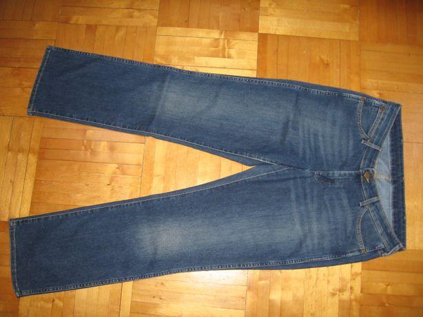 Spodnie damskie jeans Wrangler rozmiar W32/L32.