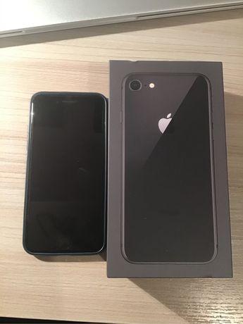 iPhone 8 uzywany czarny
