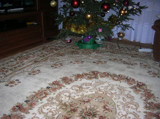 dywan używany w dobrym stanie