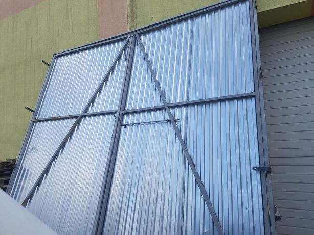 Brama garażowa 418 cm x 407 cm
