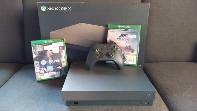 Xbox One X 1TB + 2 gry FIFA21, Forza 3 + dysk