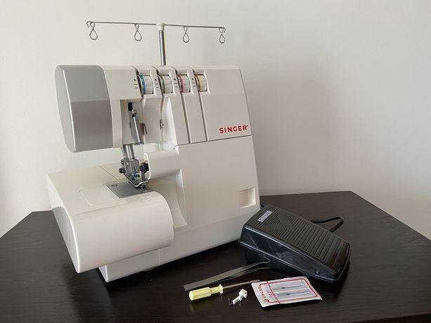 Máquina de costura eléctrica corte & cose Singer, nova com acessórios
