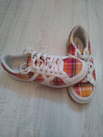 Nowe buty 39 Graceland