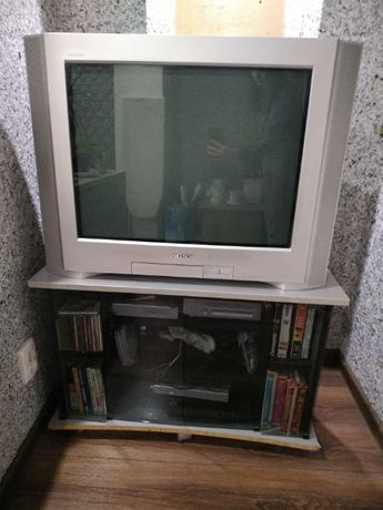 Телевизор Sony Trinitron KV-29CL11K с тумбой