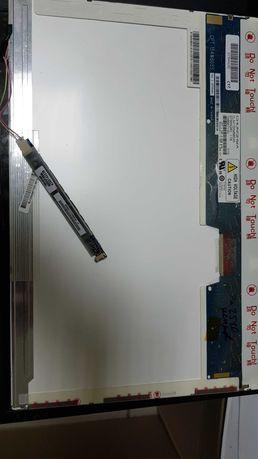 Две матрицы 15,4 в рабочем состоянии (матрица для ноутбука )