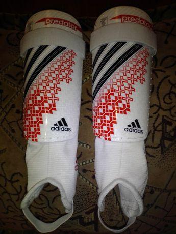 Щитки Adidas , 30 см