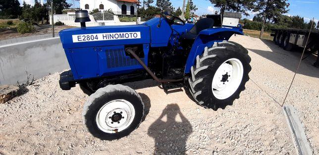 Trator hinomoto E 2804 4x4