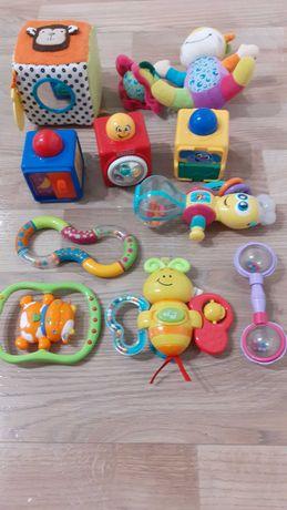 Zestaw zabawek dla malucha